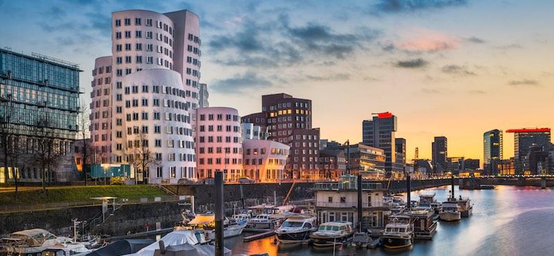 CityGames Düsseldorf: Foto einer City Escape Tour - Düsseldorf in den Abendstunden
