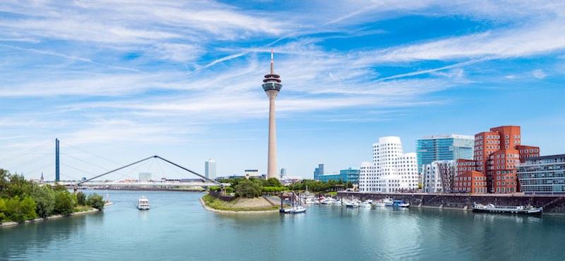 CityGames Düsseldorf: Foto vom Medienhafen Düsseldorf gemacht bei einer Junggesellinnenabschied Tour