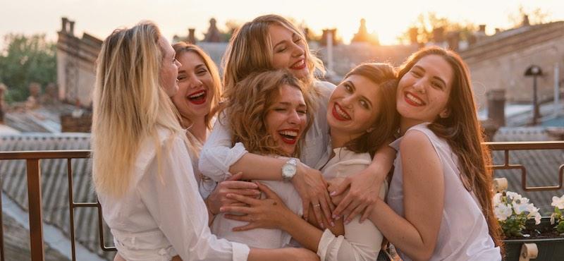 CityGames Düsseldorf: Der Spaß auf der Junggesellinnenabschied Tour ist groß und die Freundinnen sind glücklich