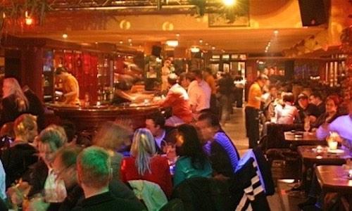 CityGames Düsseldorf: Ein Besuch in der Cocktailbar Siam lohnt sich auf der Sightseeing Party Tour